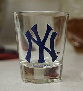 New-York-Yankees-2-oz-Satin-Etch-Collectible-Shot-Glass-0